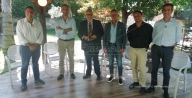 I candidati a sindaco di Taurianova insieme al direttore Motta e al giornalista Pantano