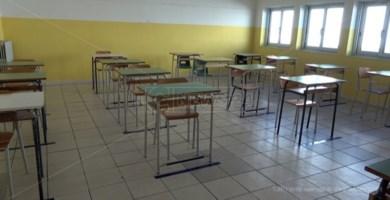 Covid Catanzaro, alunno e docente positivi: chiuse otto classi di una scuola media