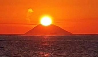 Il tramonto sullo Stromboli