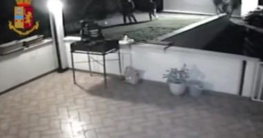 Turiste 15enni drogate e violentate dal branco: «Non chiamate la polizia. Rovinate la festa»