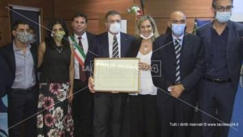 """A Mendicino cittadinanza onoraria al primario calabrese che curò il """"paziente uno"""""""