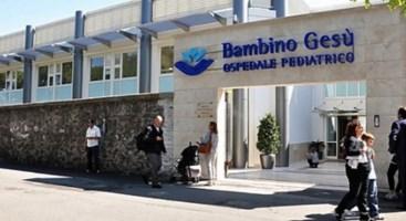 Bimbo calabrese morto, il pm: «Negligenza dei medici anche nei tre anni dopo l'intervento»