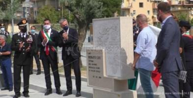 Soverato, il ministro Guerini all'inaugurazione del monumento in memoria del carabiniere ucciso