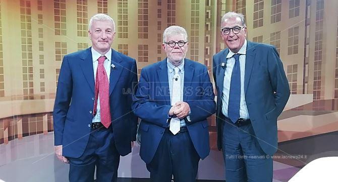 Il direttore Motta insieme al dottor Greco e al deputato Viscomi
