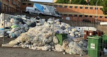 L'ospedale di Locri sommerso dai rifiuti: scontro tra il direttore sanitario e il sindaco