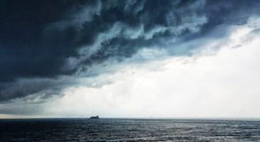 Maltempo, un ciclone tropicale sfiorerà Calabria e Sicilia. Attesi forti temporali