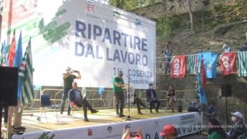 Ripartire dal lavoro, anche in Calabria sindacati in piazza: «Non vogliamo stare alla finestra»