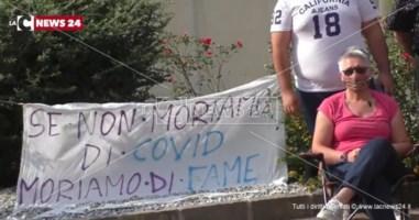 «Se non moriamo di Covid moriamo di fame». Tirocinanti della Regione pronti alla protesta