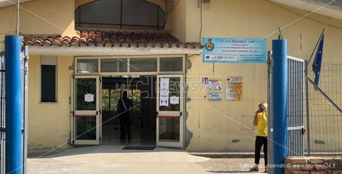 La scuola elementare di Caroni, sede de seggio elettorale