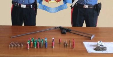 Placanica, scovato un deposito di armi e droga in un casolare