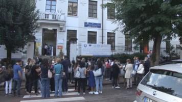 Scuola, a Cosenza suona la prima campanella: fiducia e ottimismo tra i genitori