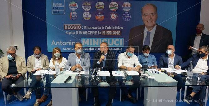 Un momento della conferenza stampa nella sede provinciale di Forza Italia