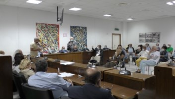 Emergenza rifiuti, Locride in cerca di soluzioni dopo l'incendio nella discarica di Siderno
