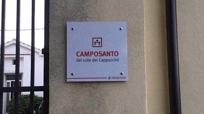 L'ingresso del cimitero di Castiglione Cosentino