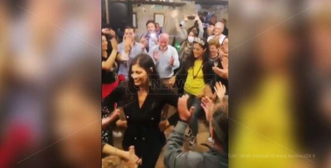 Santelli durante la festa del neo sindaco Succurro