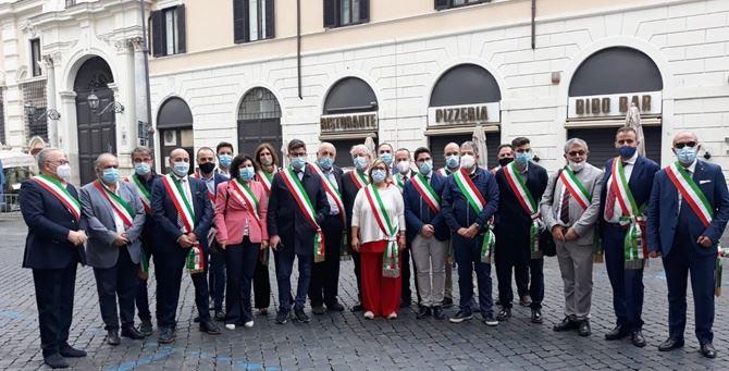 La delegazione di sindaci cosentini a Roma