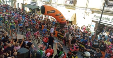 Giro d'Italia in Calabria, la partenza da Castrovillari in diretta sui nostri social