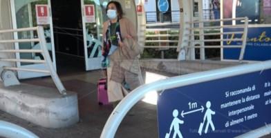 Aeroporto di Lamezia, da lunedì accesso al terminal anche per gli accompagnatori