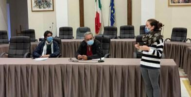 Ivan Papasso, Giuseppe Russo e Rita Donadio durante la presentazione del progetto Crosia