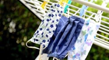 «Le mascherine in stoffa proteggono dal Covid ma vanno lavate ogni giorno»: la ricerca