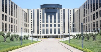 «Doveva salvare la sanità, invece il Dg Bevere spende 31mila euro per i mobili degli uffici»