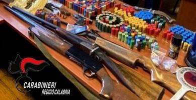 Droga, armi e munizioni: un arresto e due denunce a Siderno