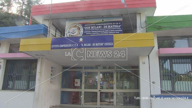 Cosenza, la scuola De Matera di Via Aldo Moro