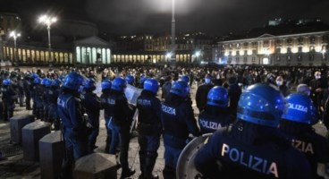 Proteste a Napoli, foto ansa