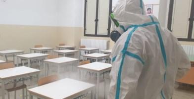Castrovillari, bidella positiva al Covid: scuola chiusa per sanificazione