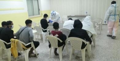 I giovani migranti assistiti nella sede Prociv di Locri