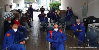 L'assemblea dei lavoratori a Castrovillari