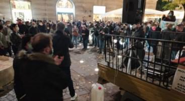 Proteste a Cosenza, foto dalla pagina fb di Prendocasa Cosenza