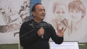 Mimmo Lucano presenta il suo libro a Cosenza