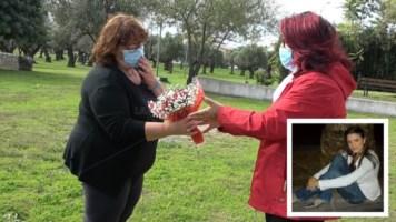 La consegna dei fiori alla zia e, nel riquadro, Adele Bruno