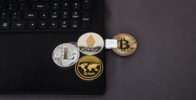 Lamezia, produceva moneta virtuale sfruttando i pc dell'aeroporto: denunciato dipendente