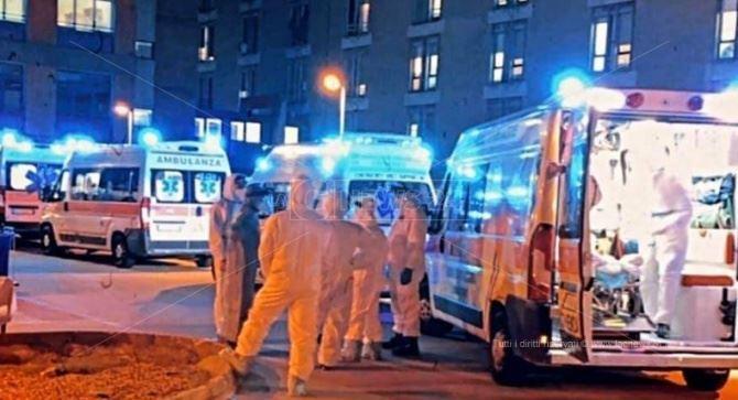 Ambulanze in fila al ps di Cosenza
