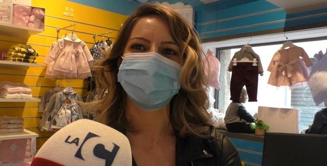 Valentina Cava all'interno del suo nuovo negozio