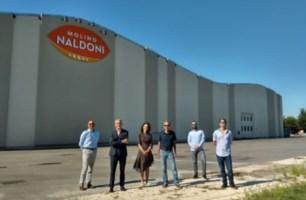 I ricercatori dell'Università di Bologna con Alberto Naldoni (secondo da sinistra)