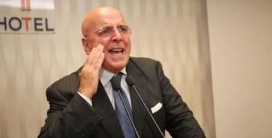 L'ex governatore Oliverio