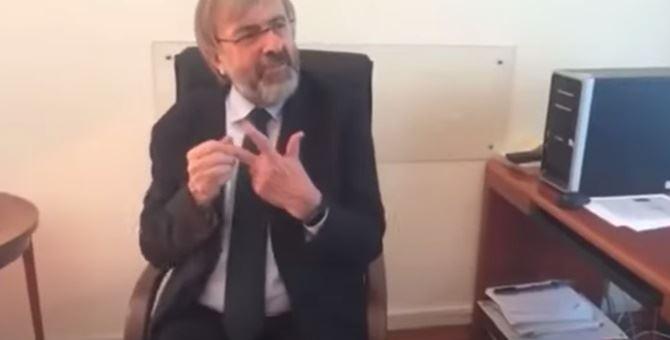 Giuseppe Zuccatelli in un frame del video ormai virale