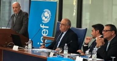Il presidente Unicef Samengo in un incontro in Calabria