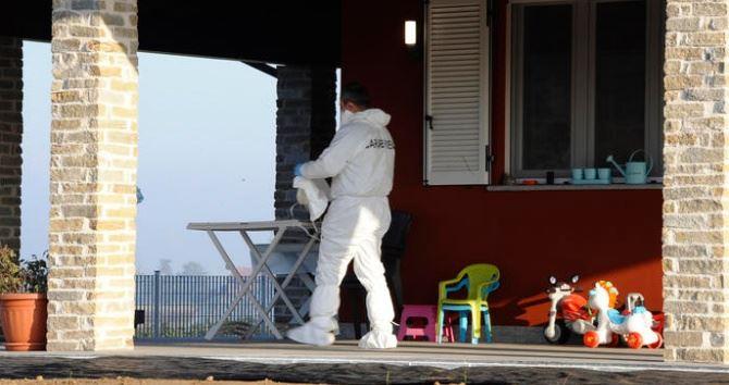 La casa dove si è consumata la strage, foto ansa