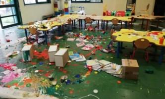 Interni dell'asilo dopo gli atti vandalici