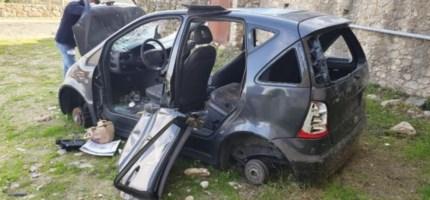 Vecchie auto abbandonate a Cosenza