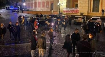 Il raduno in Piazza XV Marzo