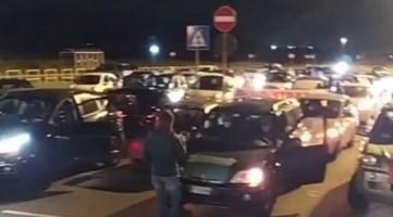 Protesta alla cittadella regionale, frame del video del comitato Sana Calabria