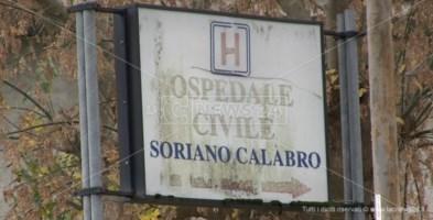 Ospedale Soriano, la denuncia dei sindaci: «Malati in tenda e i vecchi presidi muoiono»