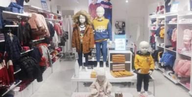 Negozi per bambini aperti ma senza clienti, i titolari: «Rischiamo la chiusura»