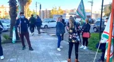 Ospedale di Rossano, gli addetti al servizio mensa in protesta