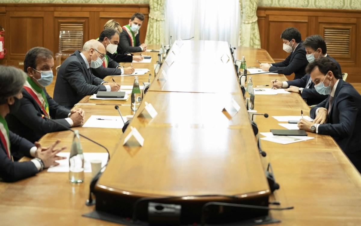 La delegazione dei sindaci ricevuta dal presidente Conte